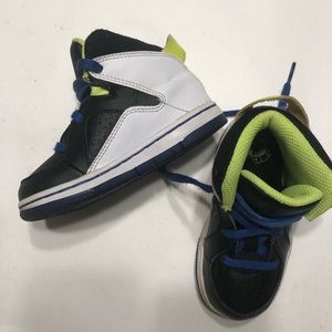 Toddlers Nike Court Invader Basketball Shoes
